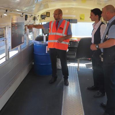school-buzz - Image d'illustration du Bus de la Sécurité SNCF